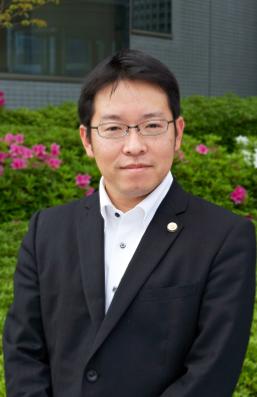 201309弁護士紹介_板村.PNG